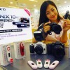 Samsung gives YP-U5 Music Player with purchase of NX10 Digital Camera